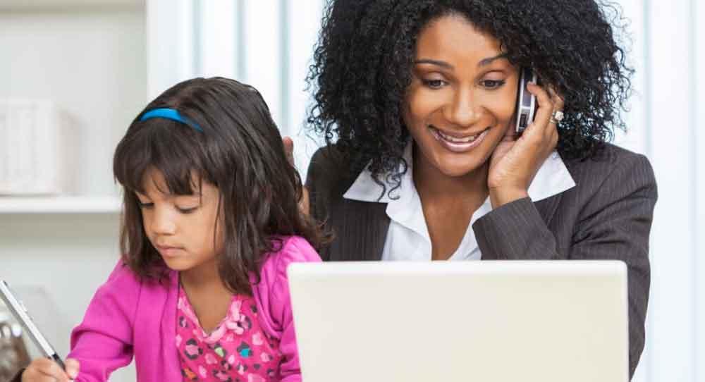 Nos momentos de relaxar, não produza nada. Desligue o computador e o chat de trabalho para poder focar em sua família e em você também.