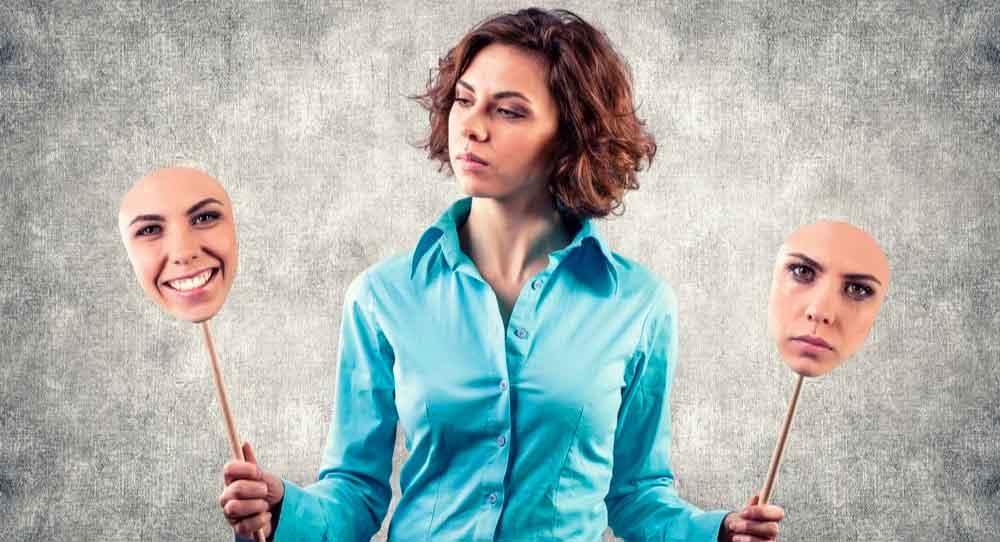 De modo geral, as pessoas podem controlar como expressamas emoções. E existem estratégias que auxiliam a tirar vantagem desse controle durante a negociação.